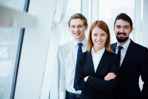 Ventajas-de-comprar-en-las-Mejores-tiendas-de-uniformes-ejecutivos-2.jpg